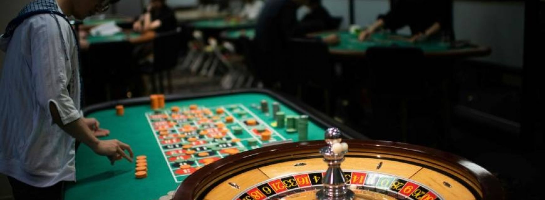 Benefits of Playing Online Versus Traditional Casinos