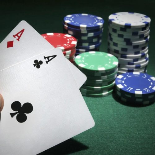 Play Smart Using Situs Poker Online