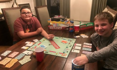 How to Plan a Successful Family Game Night
