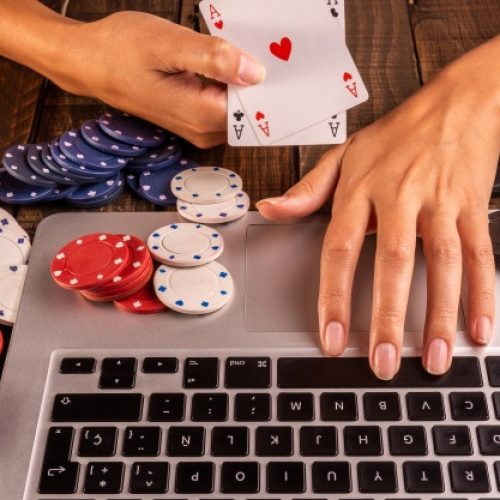 Online Casinos: Distraction Time With Domino Online