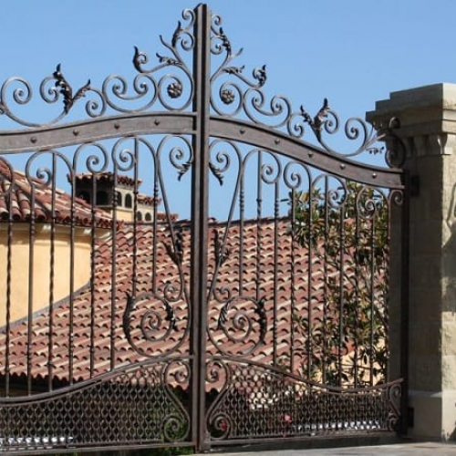 Stunning Iron Gates for Your Driveway