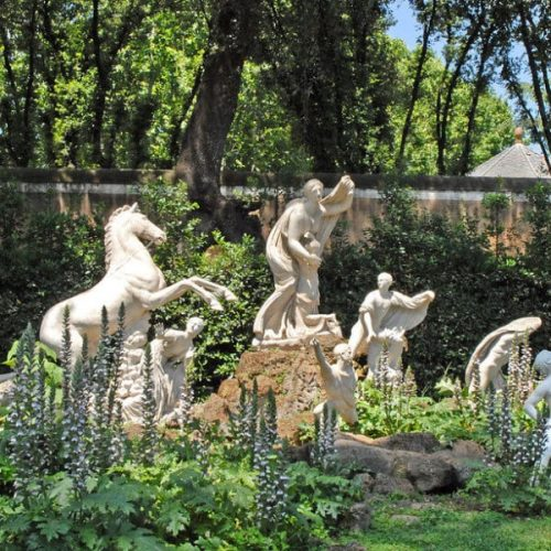Factors you need to consider for stone garden ornaments in Decoration